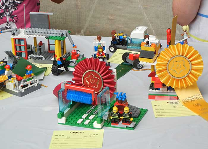 Lego Craft | Arts & Crafts Exhibits
